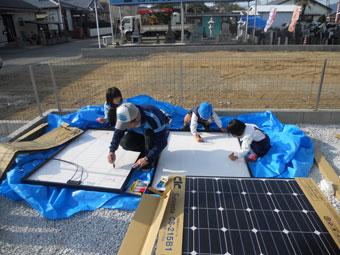 宮崎県 児湯郡 青木様の太陽光パネル設置写真です